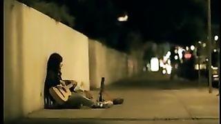 Avril Lavigne - Nobody's Home (русские субтитры)