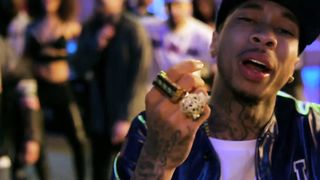 Chris Brown feat. Lil Wayne, Tyga - Loyal