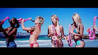 DJ Valdi feat. Ethernity - Sax On The Beach