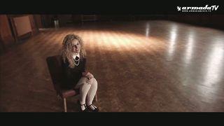 Twax feat. Solomina - Movin On