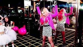 Madonna feat. Nicki Minaj - Bitch I'm Madonna