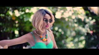 Robin Thicke feat. Nicki Minaj - Back Together