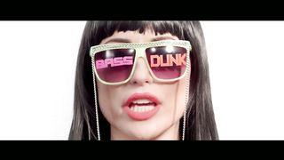 Charlotte Devaney feat. Fatman Scoop & Lady Leshurr - Bass Dunk