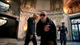 Ricky Martin feat. Wisin and Yandel - Frio