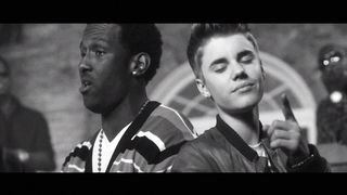 Justin Bieber Feat. Boyz II Men - Fa La La