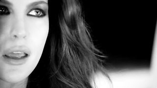 Liv Tyler - Need You Tonight