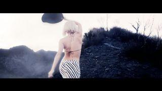 Shakira - Addicted To You