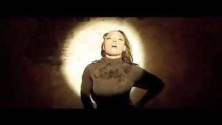 Teairra Mari feat. 2 Chainz - U Did That