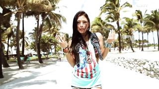 Bodybangers feat. Victoria Kern - Gimme More