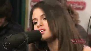 Selena Gomez - Who Says (live)