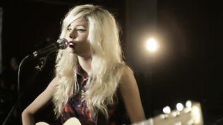 Nina Nesbitt - Just Before Goodbye