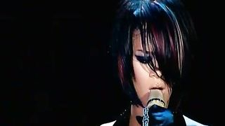 Rihanna - Unfaithful (live)